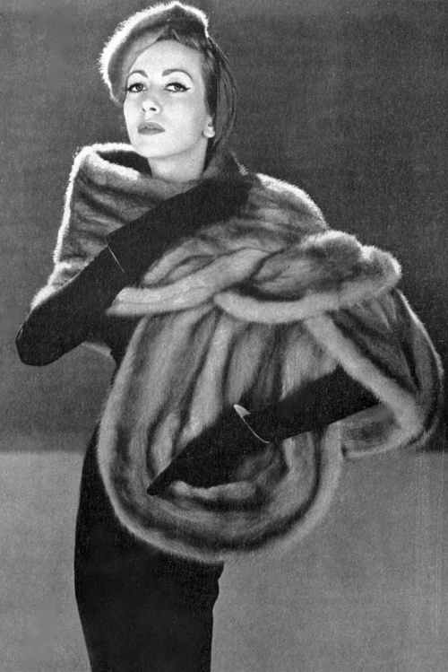 Della Oake in mink stole and hat ♥ Vogue UK, February 1952...CHANNELING HER INNER JOAN CRAWFORD
