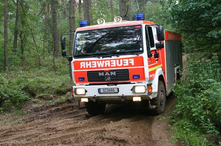 Die Freiwillige Feuerwehr Düsseldorf beim Allradtraining