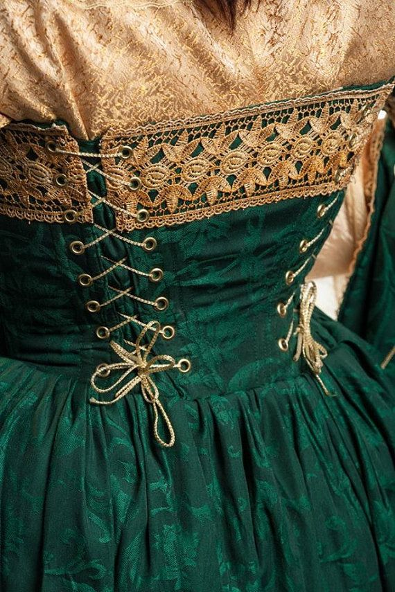Italiaanse renaissance courtisane jurk