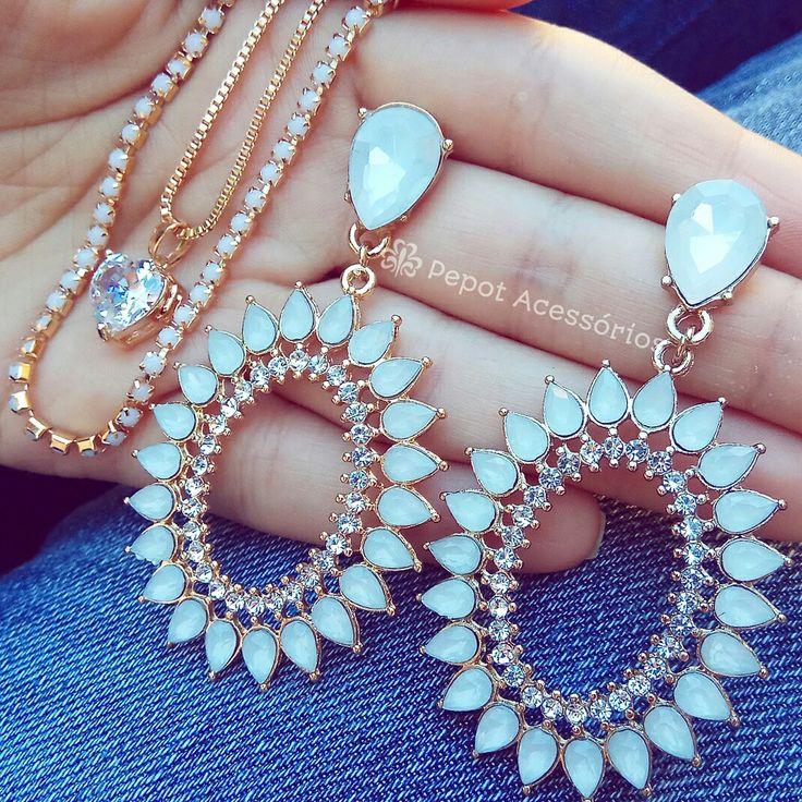 Mix lindo com pedras brancas  ➡ Visite nossa loja http://pepot.com.br e confira todas as cores e modelos disponíveis ⭐ #brincos #colares #moda #fashion
