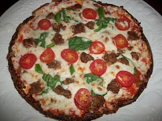 Cauliflower pizza crust!  YUMMY!: Sandy Kitchens, Cauliflowers Pizza Crusts, Cauliflower Crust Pizza, Food, Cauliflower Pizza Crusts, Cauliflowers Crusts Pizza, Healthy,  Pizza Pies, Medifast Recipes