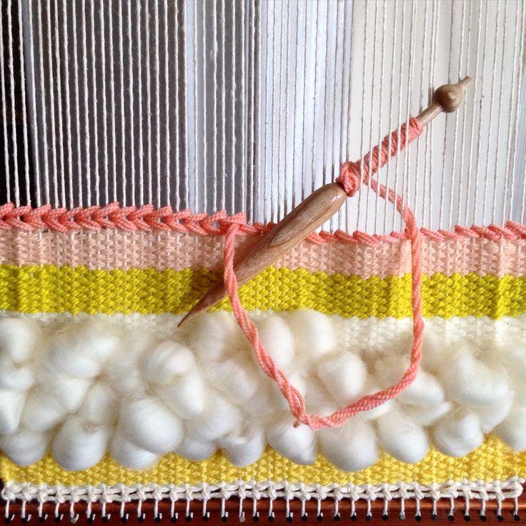 Weaving loom y Maryanne Moodie