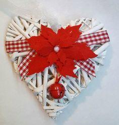 Cuore natalizio con Stella di Natale rossa, by Marzia Creazioni, 8,00 € su misshobby.com