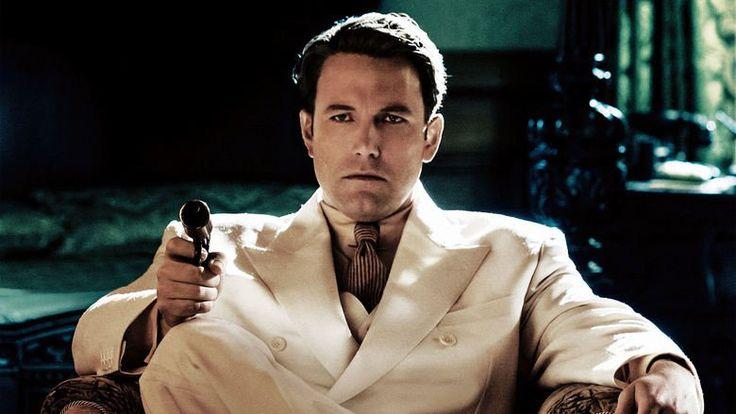 Vivir de noche Boston. Década de los años 20. En plena era de la Prohibición, Joe Coughlin (Ben Affleck) es hijo de un eminente capitán de la policía de la ciudad. Pero, Coughin no sigue precisamente los pasos de su padre, y se une al crimen organizado, para convertirse en un contrabandista que trafica con alcohol. Poco a poco, su ascendente carrera en el mundo de la mafia le llevará a convertirse en un importante gangster de la Costa del Golfo. En su camino se cruzará una mujer, Graciella…