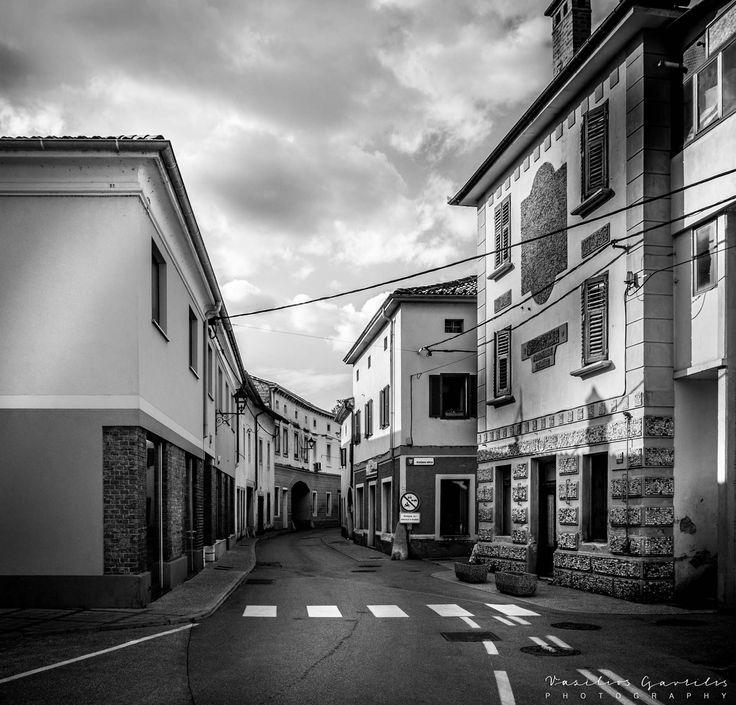 BLACK & WHITE | PHOTOinPHOTO