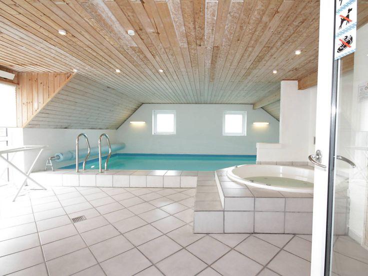 LAST MINUTE ab Samstag: Zwei nebeneinander gelegene luxuriöse Poolhäuser nur 400 Meter vom Nordseestrand in Bjerregård gelegen. Haustiere sind in beiden Häusern erlaubt! 3770 & 3768 http://www.danwest.de/last-minute #LastMinute #Nordsee #Urlaub #Dänemark #Poolhaus #Luxushaus