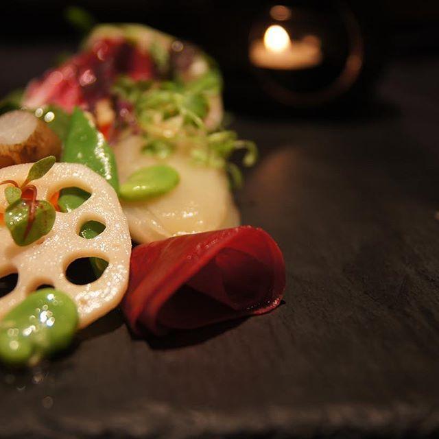 寒さもまだ厳しいですが待ちに待った春がやってこようとしていますね!  季節が変わると食材の旬も変わりますので、本店の人気メニュー地野菜たっぷりバーニャカウダ、春を感じる食材を揃えてご用意しております。  お越しの際は是非お召し上がり下さい。  ナカムラ  本店 #チッチャ #ciccia #ビブグルマン #ミシュラン #レストラン #神戸 #kobe #三宮 #イタリアン #イタリア #italy #italianfood #italia #ディナー #dinner #food #ワイン #wine #自然派ワイン #夜ご飯 #パスタ #前菜 #肉 #グルメ #野菜 #おしゃれ #春 #かわいい