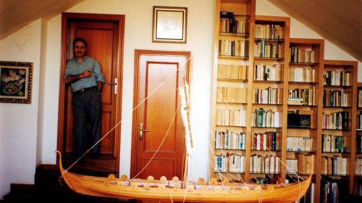 Última entrevista feita a Carlos Casares, publicada por La Voz de Galicia (9/3/2012) http://www.lavozdegalicia.es/noticia/cultura/2016/07/08/span-langglcarlos-casares-literatura-non-ten-gustarlle-mundospan/00031468005149495523490.htm