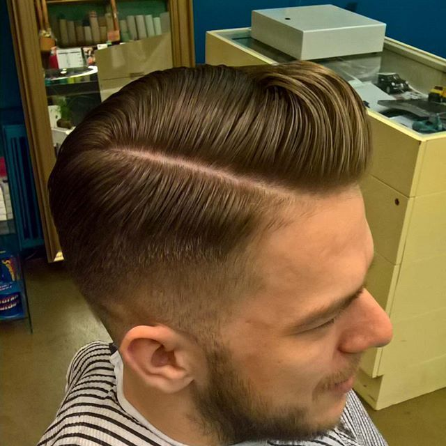 Part is right #barbershop #barberlife #barber #prague #connection #pomade #reuzel #reuzelpomade #class #oldschool #haircuts