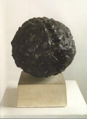 Radoslav Kratina / Černá koule / 1963 / barva, sádra / 25 x 21 cm