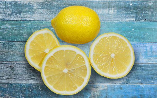 Hast du dich jemals gefragt warum der Duft der Zitrone bei fast allen Reinigungs- oder Sanitätsprodukten verwendet wird? Nun, es stellte sich heraus, dass der Duft der Zitrone nicht nur würzig und …