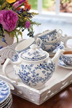 A classic blue and white tea set.