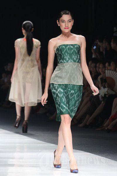 Fashion_Show_Ikat_Indonesia_Didiet_Maulana_3846.jpg