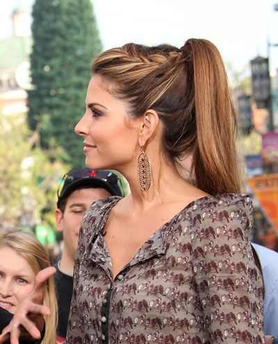 Ooohhh, the ponytail version of Maria Menounos' awesome braid! Love them both!