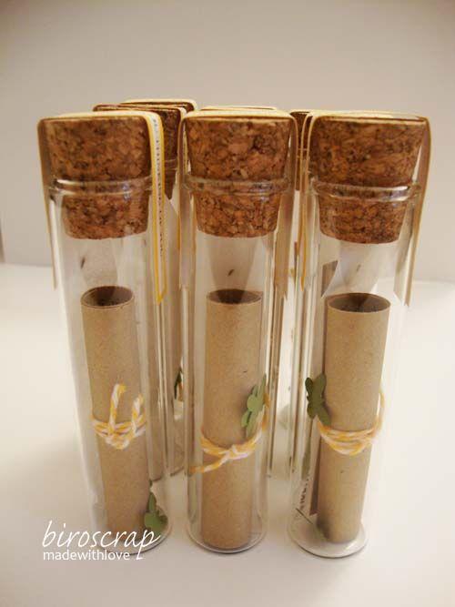 biroscrap: Prima Comunione (1a parte) fialette con semi di margherite su feltrino biodegradabile, un ricordo per gli invitati