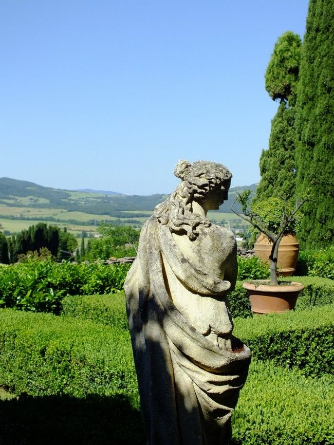 A statue in our Lemon Garden http://ontheroad.comunicablog.it/2014/07/relais-la-suvera-lusso-e-pace-in-val-delsa/
