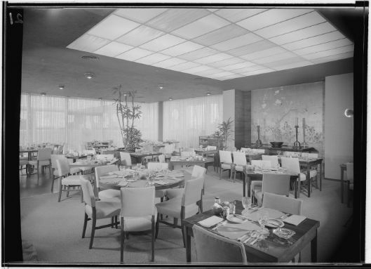 Bullocku0027s   Pasadena, Freestanding, (1947, SF: 315,000). Restaurant,