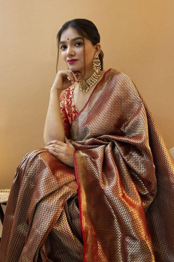New Arrival Black Colore Designer Bold And Beautiful Saree Indian Traditional Saree Bollywood Style Exclusive Party Wear Soft Silk Saree