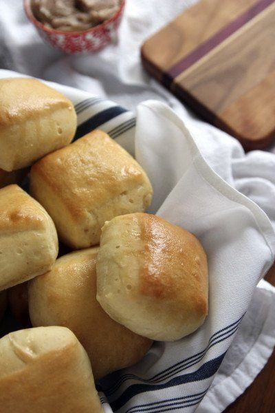 Texas Roadhouse Rolls Picture on @foodfanatical