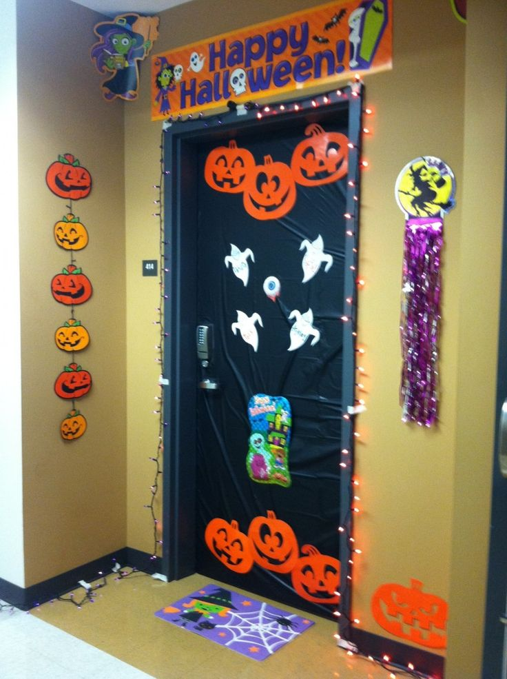 25 halloween decorations for kids ideas halloween door for Door design accessories