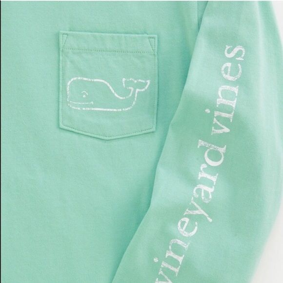 Vineyard Vines long sleeve Gently used sea green long sleeve. Size 14/16 kids but I'm a small/medium in women's and it fits me, so it would best fit women's XS/S. Color is best shown in last two pics. So cute! Vineyard Vines Tops Tees - Long Sleeve