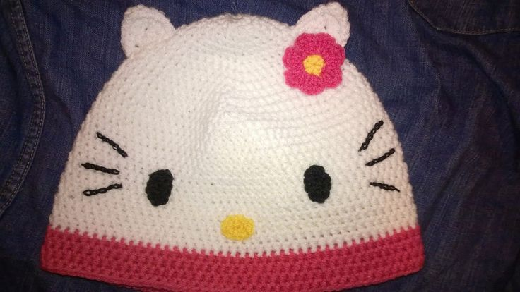 crochet Hello Kitty hat