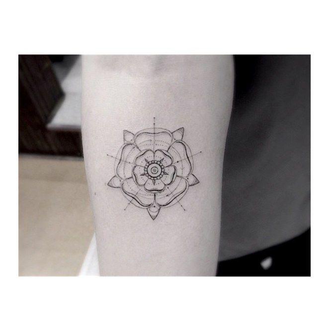 65 idee per tatuaggi donna sottili, femminili e delicati. Quale ti faresti?