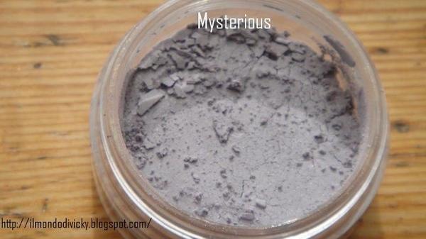 Mysterious (6508) http://eyeslipsface.nl/product-beauty/oogschaduw