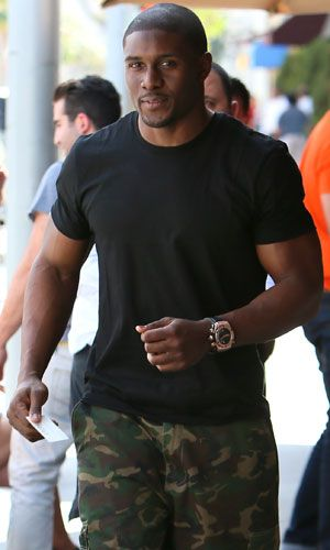 Reggie Bush | Reggie Bush leaves Il Pastaio restaurant in Beverly Hills after having ...