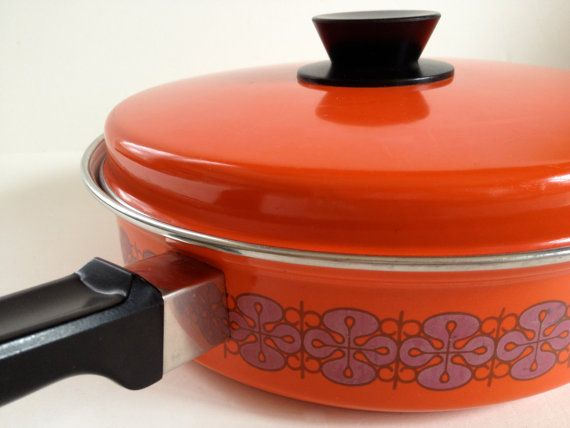 Retro enamelware frying pan with lid by TheHaystackNeedle1 on Etsy, $20.00