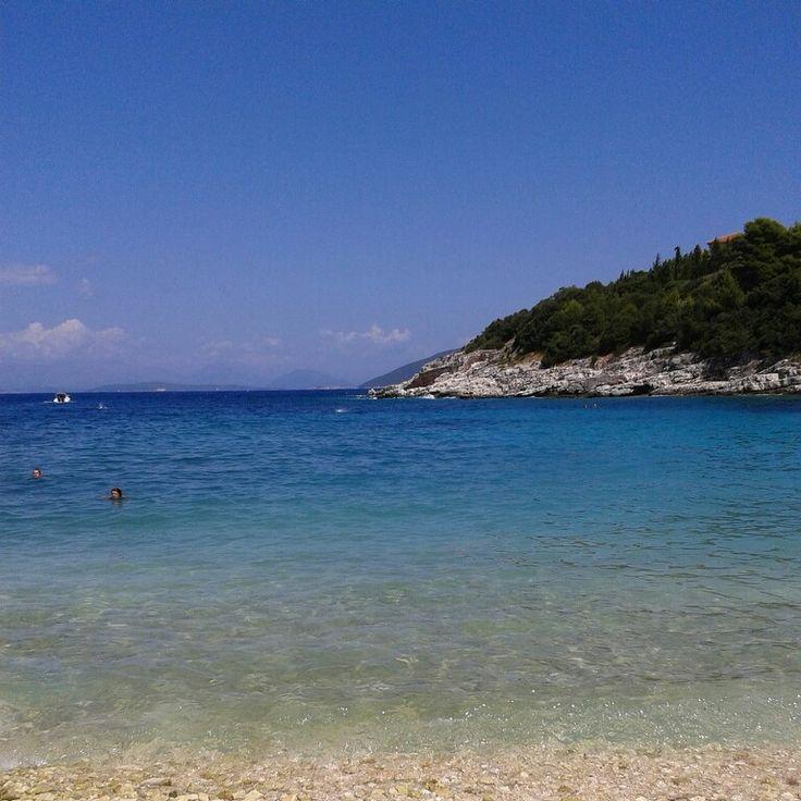 Emplysi beach
