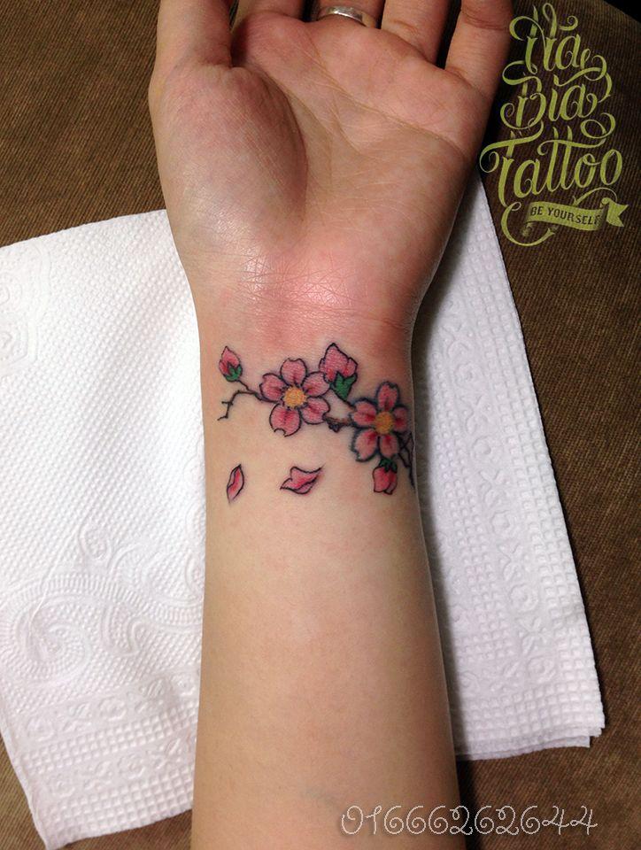 Flower hand tattoos for girls