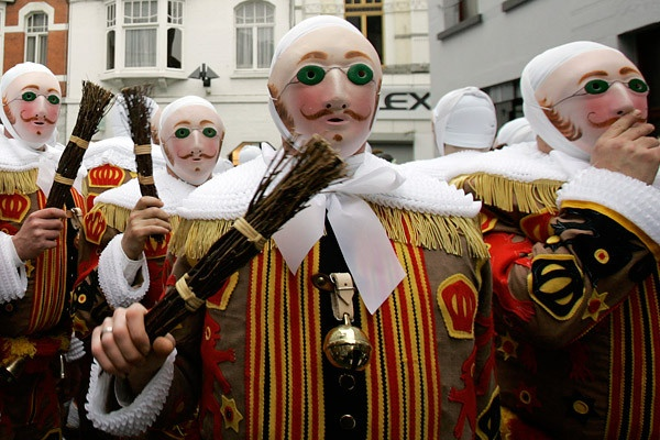binche black personals The carnival of binche is an event that takes place each year in the belgian town of binche during the sunday dating back to the 14th century.