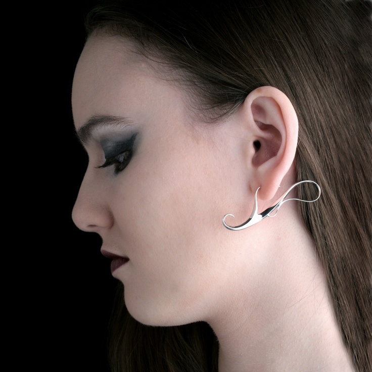 """Twilight dance"" Earrings in sterling silver, made by Jewellerydesigner Ailin Roelvaag."