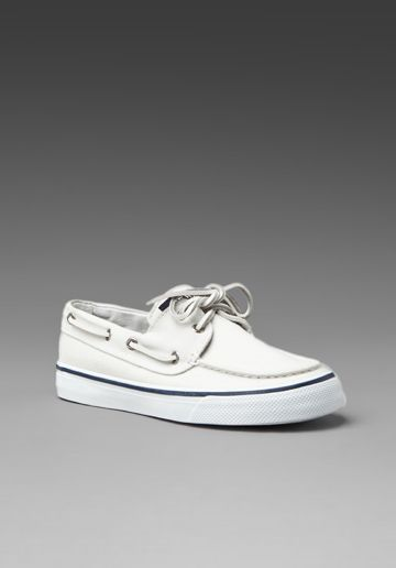 white sperrys <3