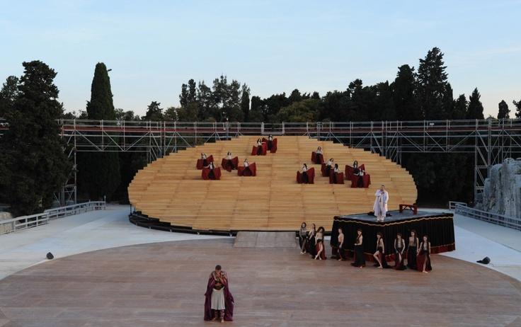 Escenario para un antiguo Teatro Griego en Siracusa. Diseñado por OMA