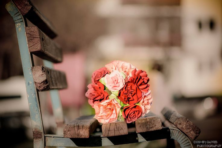 As refreshing as a walk in the park. For the love of paper,  Alina Papercrafted. #paperflowers #bouquet #red #blush #pink #paperroses #paperpeony #papercrafted