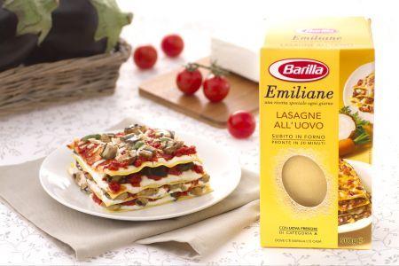 Vegetarian lasagna with aubergines and ricotta cheese / Lasagne alla Norma