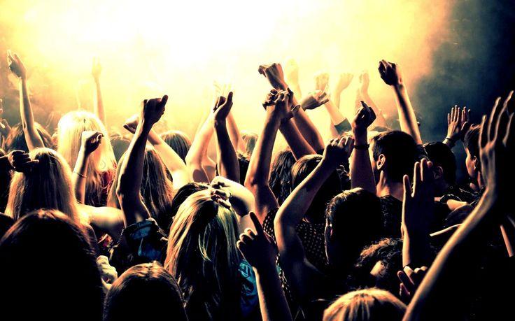 Вечеринка у тебя дома: новый плейлист в Apple Music!    Лови музыкальную подборку от Love Radio!