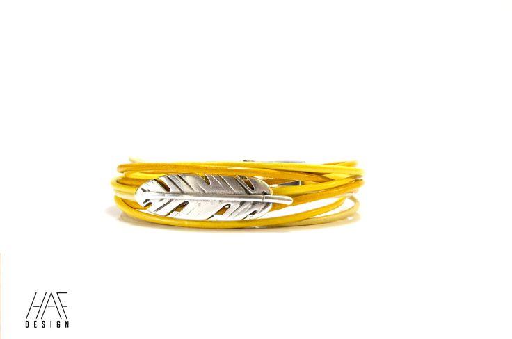 Bracelet plume en CUIR Jaune, fermoir en acier inoxydable : Bracelet par haf-design