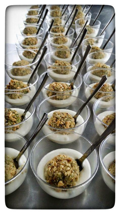 - Finger Food - Bocconcini agli spinaci con crumble di nocciole e crema Gorgonzola e Ricotta   Tra Cucina & Realtà