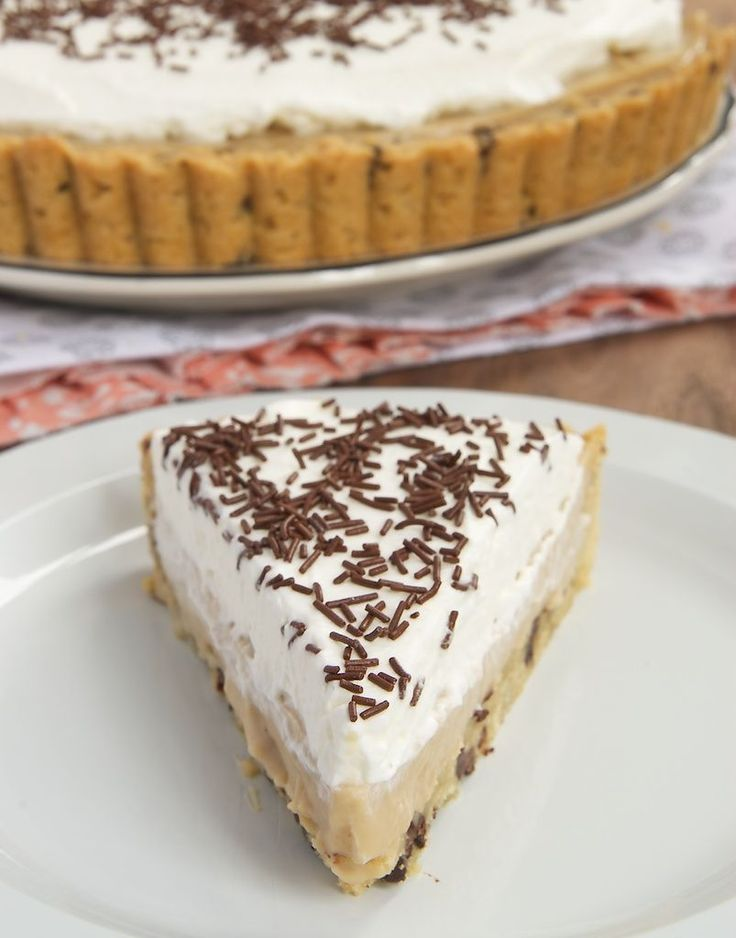 New on Bake or Break: Butterscotch Pudding Pie with Chocolate Chip Cookie Crust