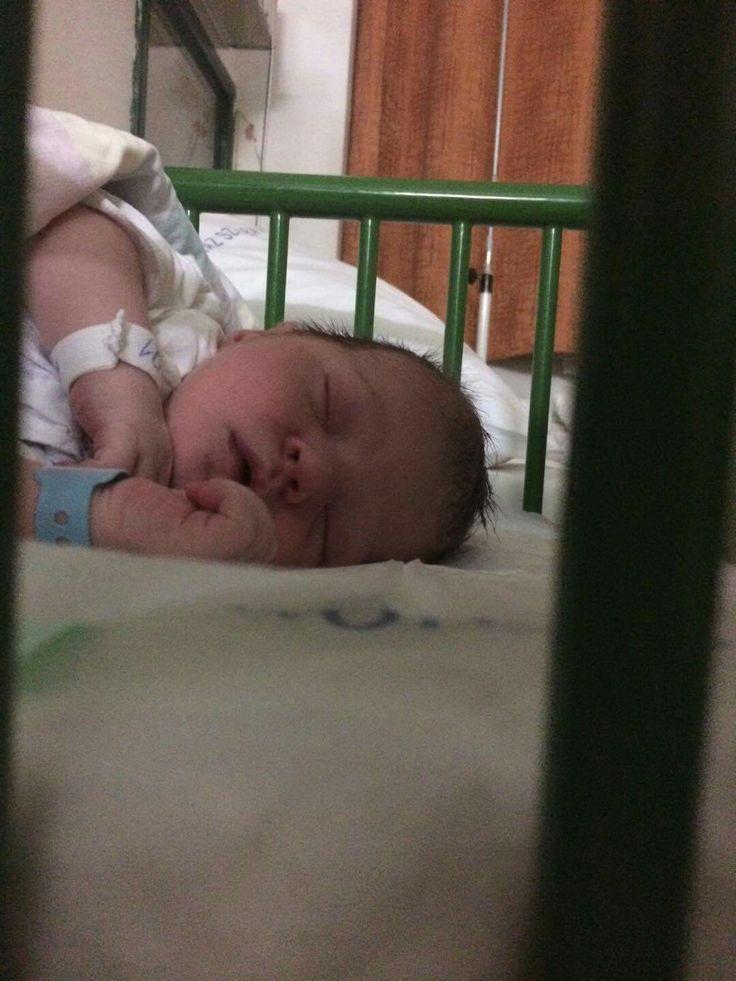 Megszületett a legifjabb családtag. Kovács Máté vagyok.2017 .nov .14-én születtem. Húgom nagymama lett.