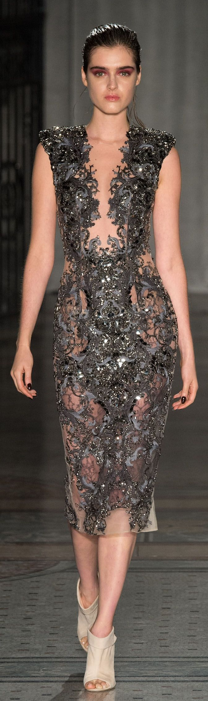 This Julien MacDonald dress is basically a Neil Gaiman book in dress form. Thus, I love it.