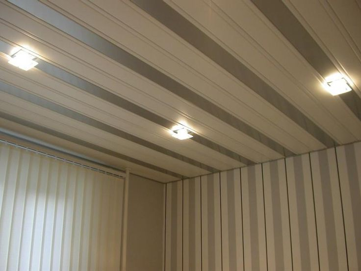 Отделка потолка в комнате фото