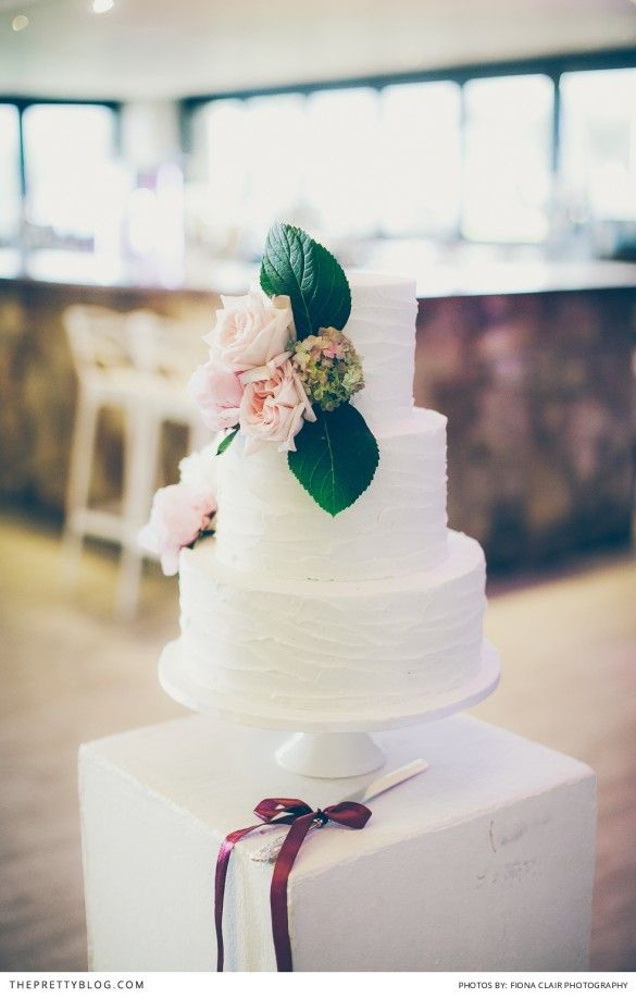 Noordhoek Fairytale Wedding | Real weddings | Cake Inspiration | Photography by Fiona Clair Photography
