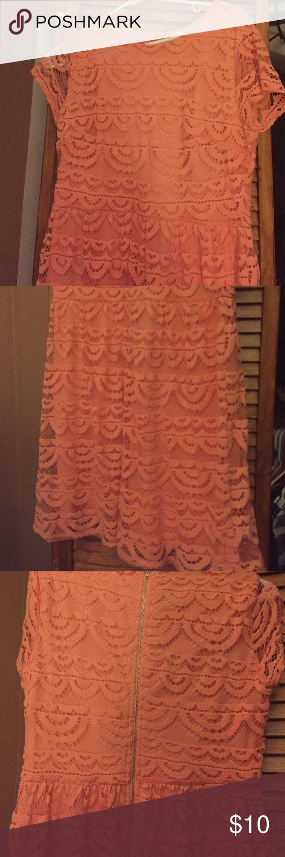Peach lace dress Francesca's short peach lace dress with back zipper detail. Worn one time! Francesca's Collections Dresses Mini