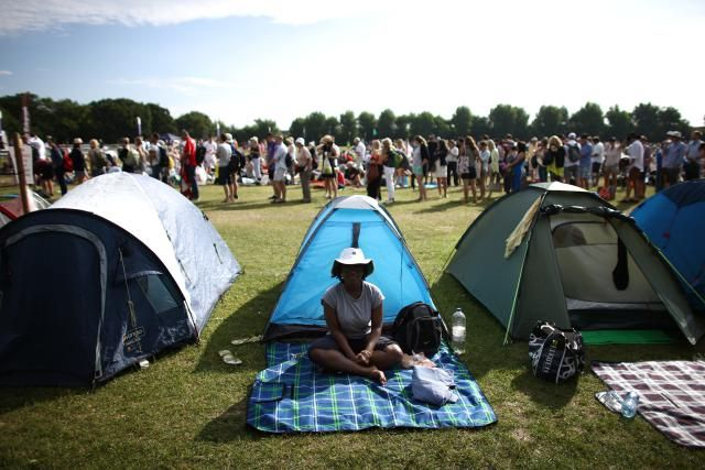 If you are willing to stand in line, there are moderately-priced Wimbledon tickets for sale every day of the Wimbledon Tennis Tournament.