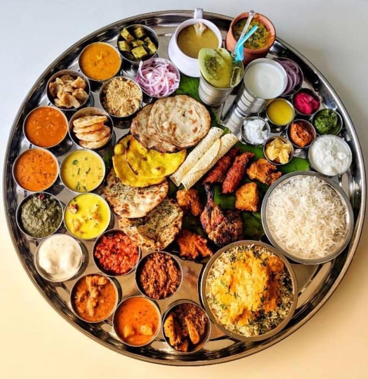 TAG your foodie friends and challenge them to finish off this Dara Singh Thali  #mumbai #india #indianfood #foodporn #food #instafood #foodie #foodphotography #foodblogger #indian #delhi #yummy #foodgasm #foodtalkindia #delicious #foodlover #lunch #foodstagram #instagood #like4like #photooftheday #tasty #desifood #foodpics #nomnom #photography #biryani #delhifoodie #picoftheday #curry