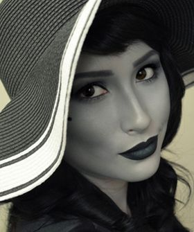 Don't be fooled, this a color photo! Black and white makeup to look like a black and white film star! How amazing is that?!